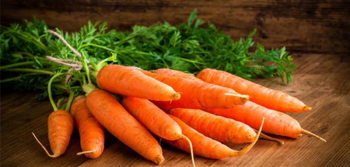 cut stalks on carrots 840x400